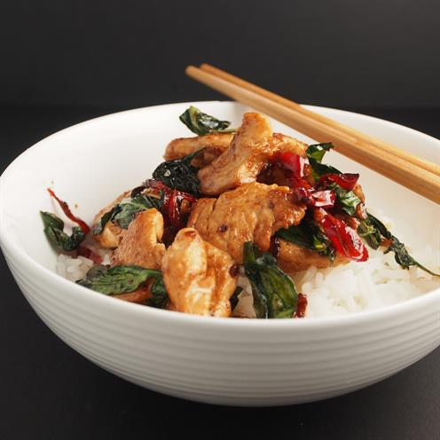 Thai chicken stir-fry with basil and chilli - foodonomy
